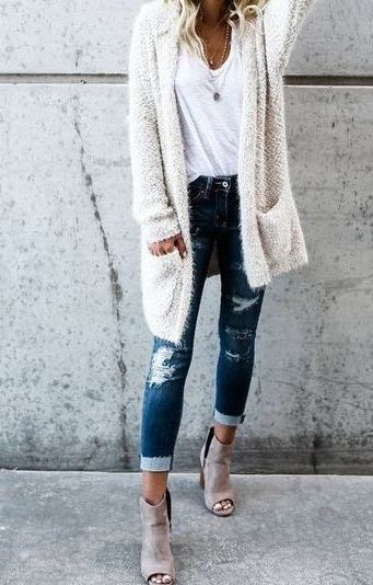 How To Style Ripped Jeans: Best Street Style Looks 2021