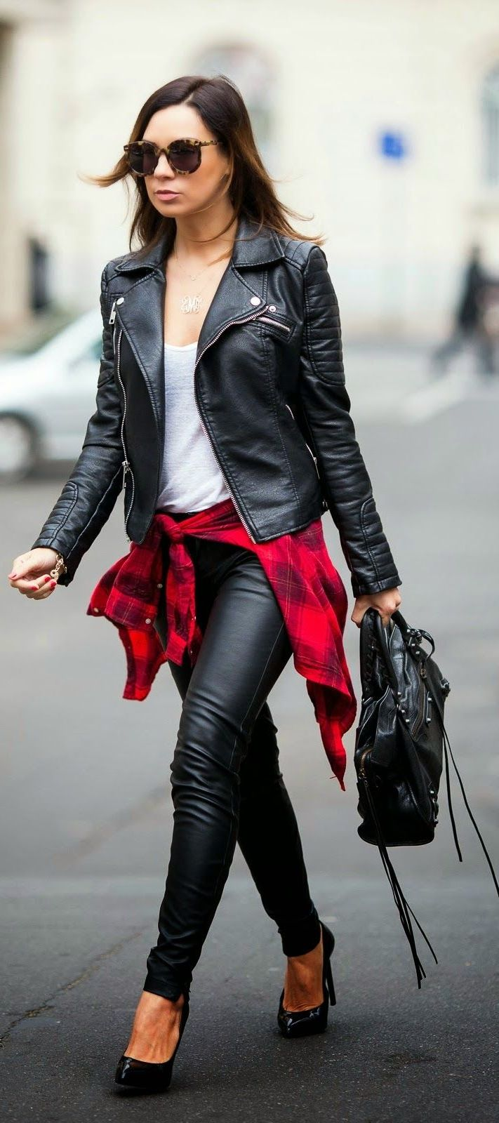 How To Style Black Leather Pants For Women 2021