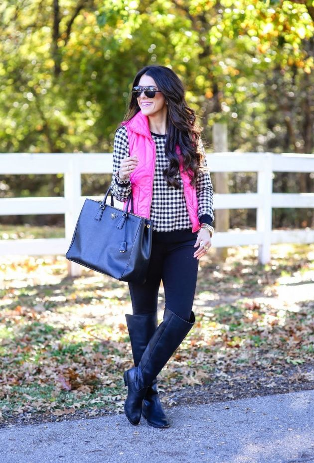 25 Ways To Wear Puffer Vests For Women 2020