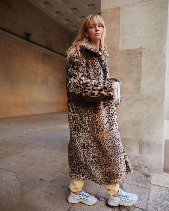 Cool 20 Ways To Wear Animal Print Coats 2021