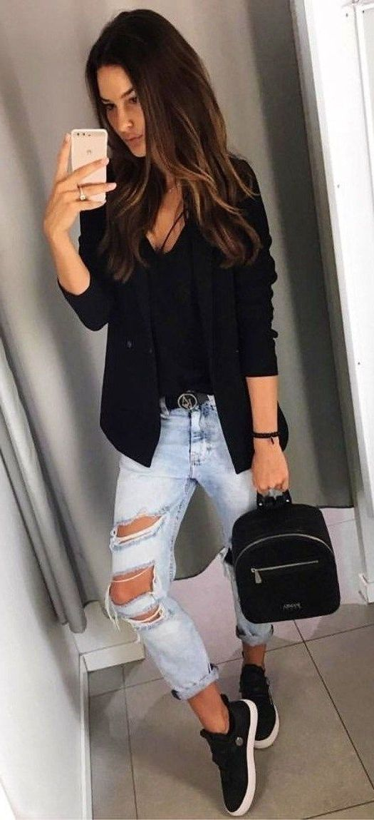 How To Make Black Blazer Look Awesome On You: Easy Guide 2020