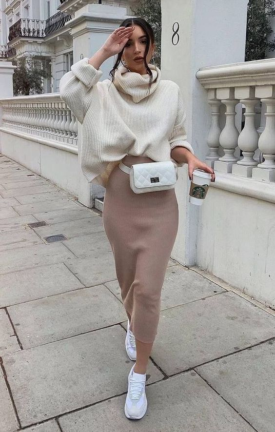 Oversized Sweaters For Women: Trendy Knitwear 2020