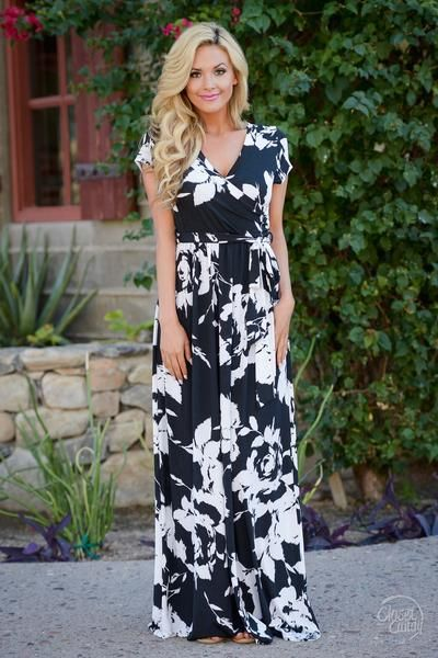 What To Wear With Maxi Dresses: Full Guide 2020