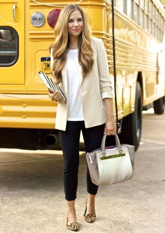 What Is The Dress Code For A Teacher (Tested Looks + Full Guide) 2021