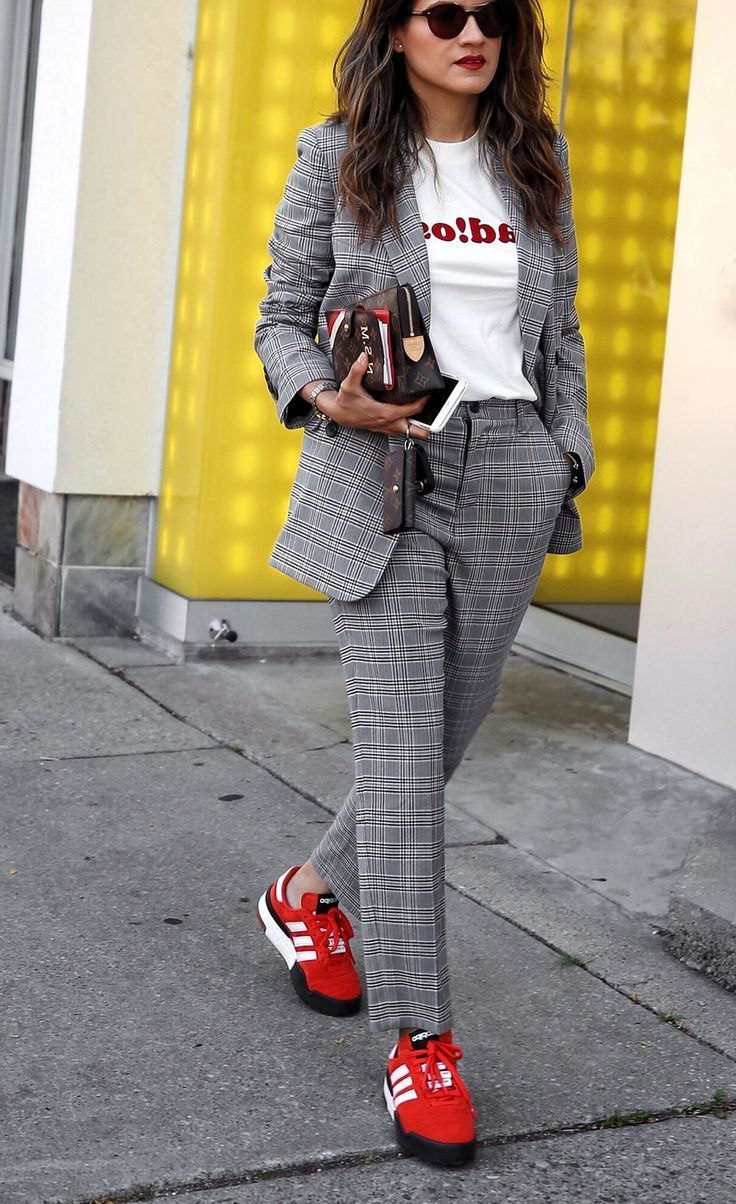 9 Simple Ways How To Style Plaid Pants For Women 2021