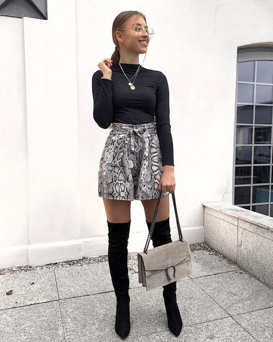 Simple Street Style Ideas How To Wear Shorts In Cold Weather 2020