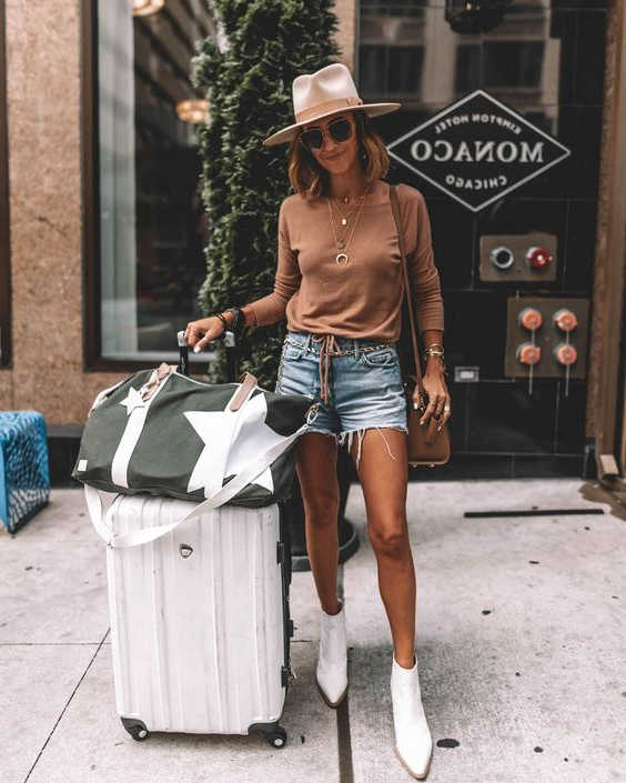 Boots and Shorts For Women The Ultimate Guide With Pictures 2020