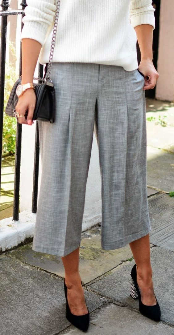 18 Outfit Ideas With Capri Pants For Women 2021